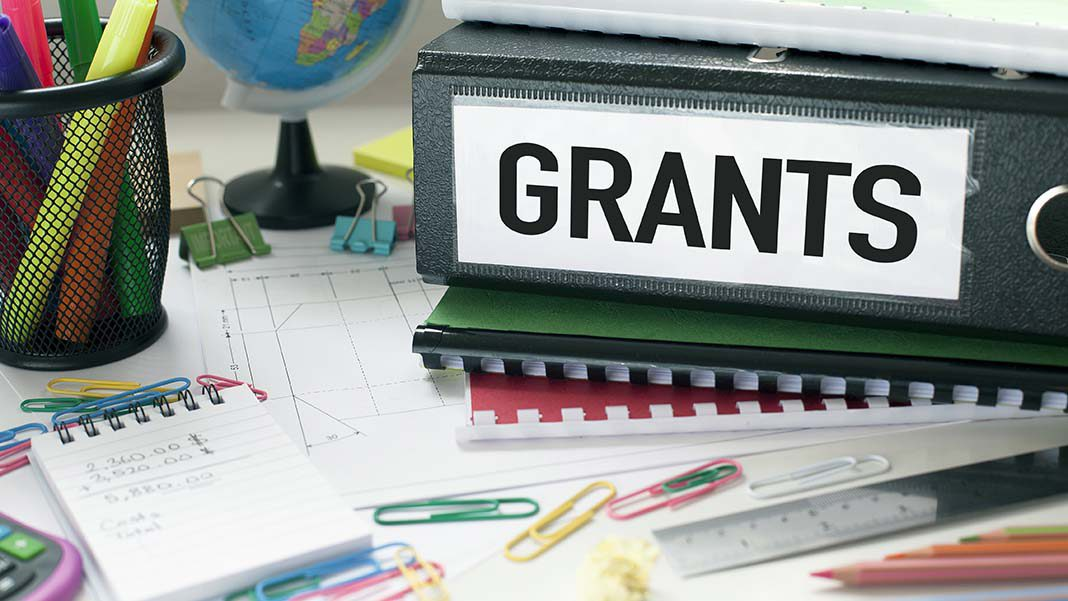 tips on getting government business grants